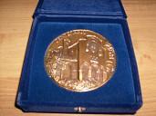 Medaglia realizzata in occasione del centenario del seminario di Molfetta